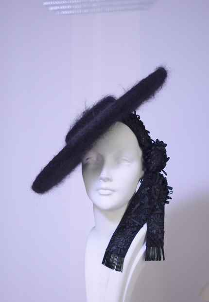 Stephen Jones Millinery Autumn Winter 2017 Jean Patou Provencal boater in mohair with embroidered grosgrain ribbon 07 Jean Patou