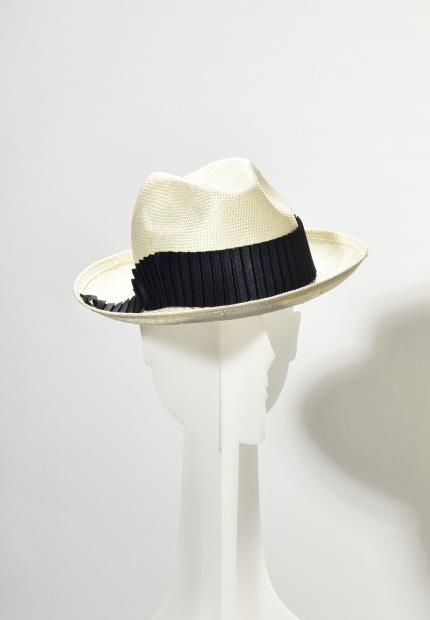 Stephen Jones Millinery Spring Summer 2020 A straw trilby with pleated band