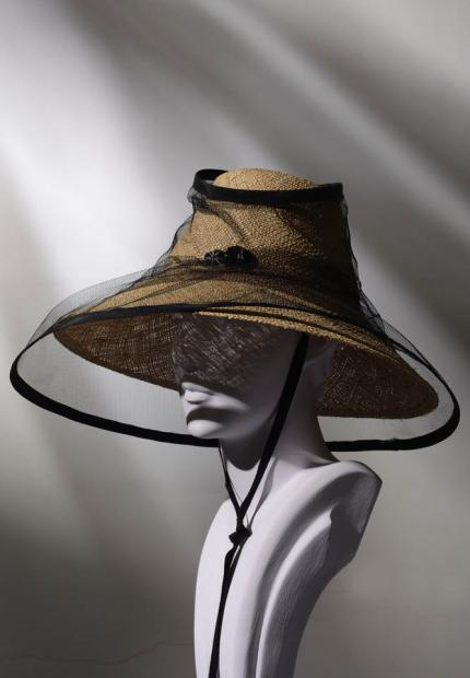 Stephen Jones Spring Summer 2017 Shade collection straw sun hat