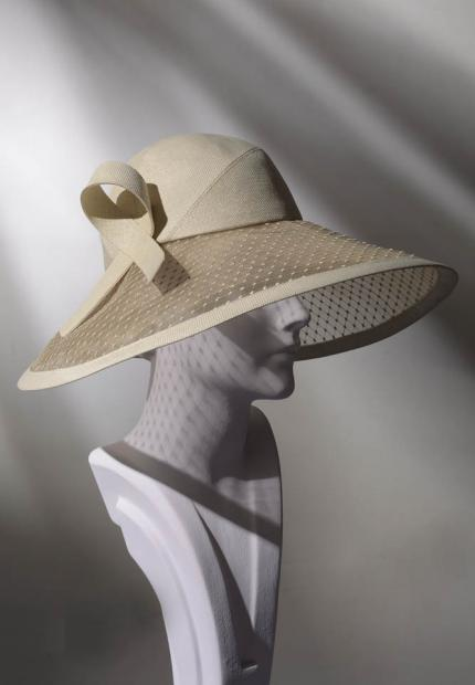 Stephen Jones Spring Summer 2017 Shade collection sun hat canopy