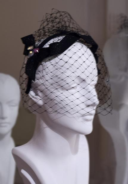 Stephen Jones Millinery Spring Summer 2018 Hats Sweet petersham bow